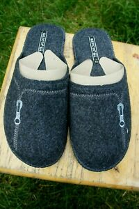 Premium Quality 100% Sheep Wool Sheep Felt Slippers .Made in Europe. USA Seller