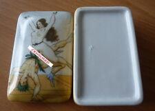 Peter Fendi Superb porcelain erotic pill box, trinket box or snuff box 914-1A