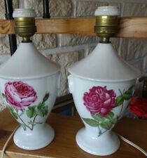 2 anciennes lampes en porcelaine de Paris ht 26 cm Ø 12,5 cm très bon état Fiche