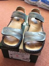 Ladies sandals by Josef Seibel. Blue leather inner and upper. Velcro.