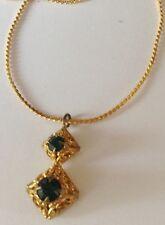 pendentif chaîne bijou vintage couleur or filigrane pierre verte émeraude 99