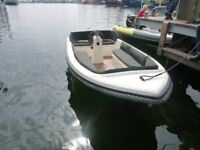 NEU Boot OMEGA - 475,Angelboot, Motorboot,Sportboot,Konsolen Boot.