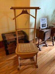 Italian SPQR Wooden Gentleman's Clothing Suit Valet Stand Chair