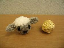 adorable Hand Knitted Huevo de Pascua Yorkshire Cordero Crema Cesta