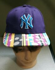 New York Yankees Purple Polka Dot Hat RN11493 Size 7 1/4 Fitted New Era