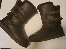 UGGS BECKET BOOTS CHOCOLATE SIZE 9