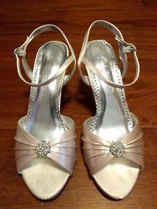 Michelangelo David's Bridal Eclaire Dyeable Wedding shoes women's size 7.5