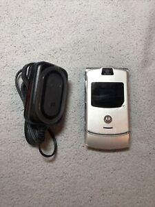 Motorola RAZR V3 - SILVER Mobile Phone - NEW OLD STOCK - GENUINE