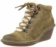 ladies MARSDEN GRACE Clarks Women khaki Suede Boots size 6 D warm winter