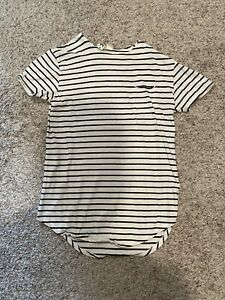 Men's Urban Outfitters Striped Pocket Tee Sz Medium Scallop Long Fit S/S White