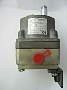 Barksdale P/N 0402-200 Type DPD1T-B80SS-GL  Differential Pressure Switch