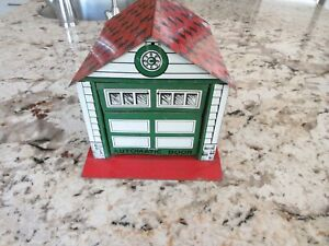 RARE Early Courtland Walt Reach Tin Toy Garage Automatic Door Opening