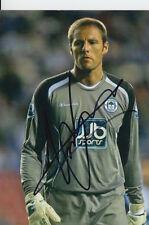 Wigan main signé carlo nash 6X4 photo.