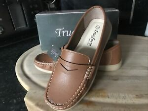 Ladies Trueform Shoes UK Size 6   Tan  Loafers BN with Box