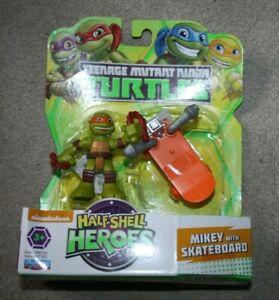 Teenage Mutant Ninja Turtles - Half Shell Heroes Mikey & Skateboard - Opened