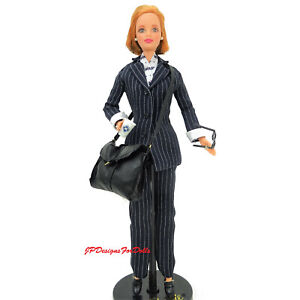 1997 Limited Edition Barbie Millicet Roberts Pinstripe PowerDoll  New withStand