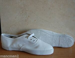 THE SHOE TAILOR CANVAS PUMPS SIZE 7 EE SKY/NAVY  BLUE OR WHITE