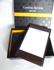 CAROLINA HERRERA NEW YORK 100% AUTENTICO BLOCK DE NOTAS. PIEL. MARRON. LOGO