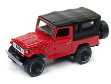 Johnny Lightning Toyota Land Cruiser 1980 Red Black Softtop JLCP7063 1/64