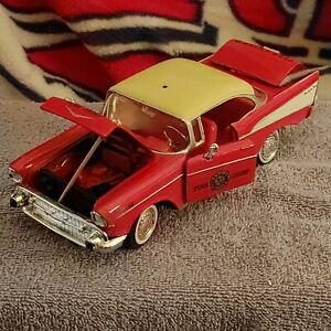 STUNNING CRIMSON RED 1957 CHEVY BEL AIR FIRE CHIEF 1:24 SCALE STEERABLE WHEELS