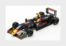 Dallara F3 #18 R Bull 1st.Macau Daniel Ticktum 2017 - 1:18 Spark mit Vitrine