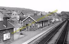 Pontlottyn Railway Station Photo. Tir Phil & New Tredegar - Rhymney. (1)