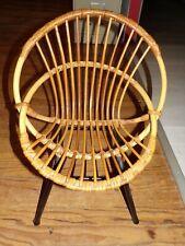 Chaise fauteuil coquille en osier rotin vintage ancien POUR ENFANT