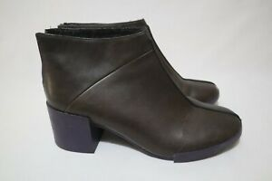 Retro Camper Size 9 Womens Leather Zip Fastening Insulated Solid Chunky RRP $330