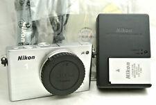 Nikon 1 J4 18.4MP mirrorless digital camera body bundle *mint *Silver