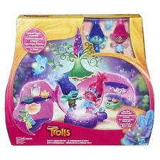 Dreaworks Trolls Poppy's Heroic Leader Coronation Pod 11 Accessories Playset