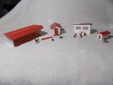 1617 100 farm buildings and animals plasticville unglued
