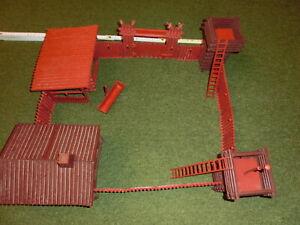 Fort Laramie - Westernfort aus den 70er Jahren - Kunststoff-Set -