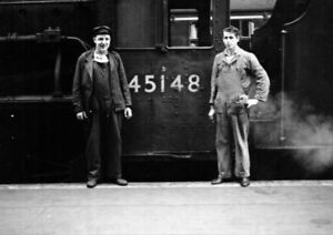 PHOTO  THE FOOTPLATE CREW OF LMS LOCO 45148 IN THE 1960'S