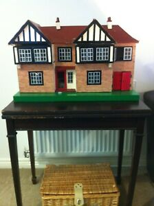 RARE Vintage Tri-ang  Dolls House  No 62  includes miniature furniture   C1950S