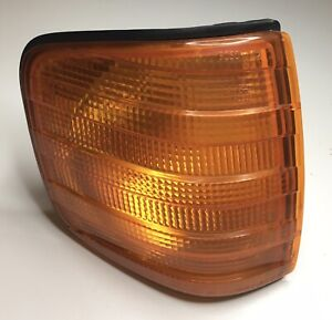 BOSCH Mercedes Benz W126 Front Right Turn Signal Indicator Lamp