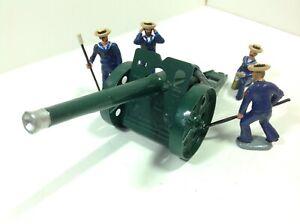 Modern Metal Sailors in sennet hats with Britains 4.7 inch naval gun.