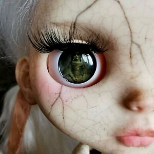 👧🏼 ~ OOAK ~ Customised ~ Abandoned Antique ~ BLYTHE DOLL + Stand ~ 👧🏼