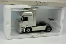 Minichamps 1/43 - Mercedes Actros Astral Silver