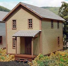 COMPANY HOUSE #1 N Scale Model Railroad Structure Unpainted Laser Wood Kit LA805