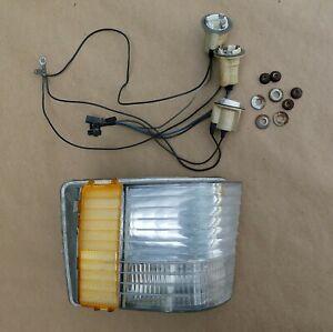 1973 1974  BUICK RIVIERA Turn Signal Parking Light Lamp Right RH
