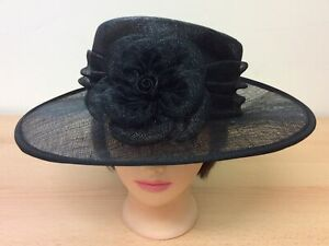 Black Debut Straw Hat with Ruched Band & Flower Detail (HatCW6)