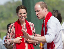 Catherine, Duchess of Cambridge & Prince William UNSIGNED photo - H5812