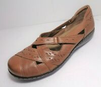 Clarks Bendables Womens Flats Slip On Shoes Tan Leather US Size 8.5M