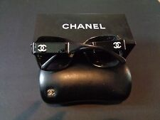 COCO CHANEL CC Authentic Stunning Large Sunglasses  Black White Boxed Case