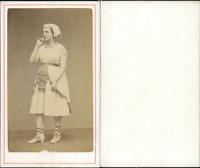 Actrice à identifier CDV vintage albumen.  Tirage albuminé  6,5x10,5  Circ