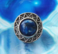 Ring in Vintage Style Tibet Silver Form Sun Wheel Shell Pearl Blue in Resin