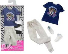 Barbie: Fashionista Complete Look - New York T-Shirt Accesory Pack by Mattel
