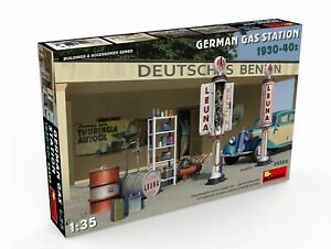 Miniart 35598 WWII Era German Gas Station Pumps and Equipment model kit 1/35