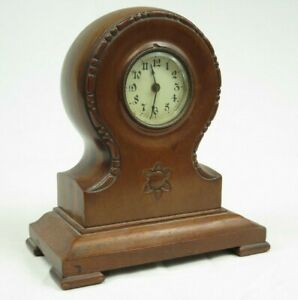 Vintage American wooden Balloon clock wind up for mantel table Made in USA 1918?