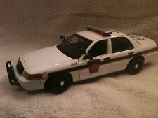 1/18 PENNSYLVANIA STATE POLICE UT DIECAST MODEL  WITH WORKING LIGHTS AND SIREN